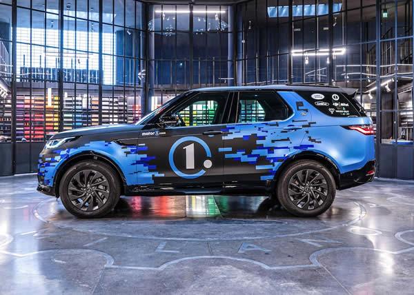 Land Rover Discovery si trasforma in Crew Car, la presentazione al Milano Monza Motor Show