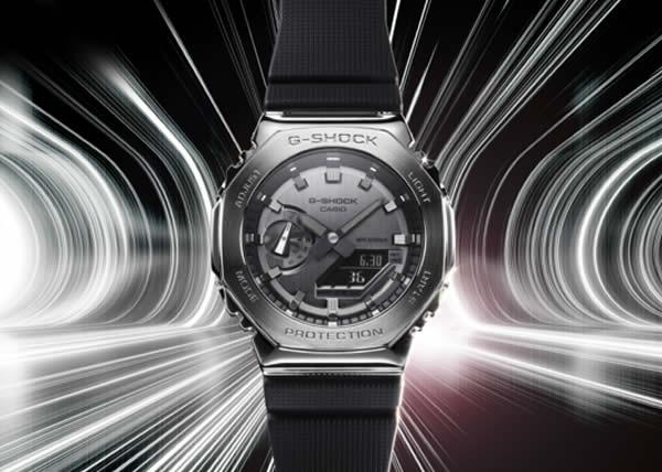 G-SHOCK presenta il nuovo GM-2100 con lunetta ottagonale in acciaio. La nuova collezione riprende il design dell'apprezzata cassa GA-2100 dal design minimal.